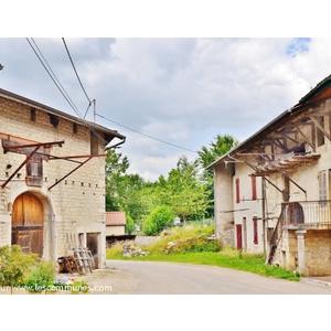 Le Village - CHALLES