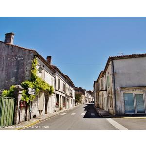 Commune de VILLEBOIS LAVALETTE