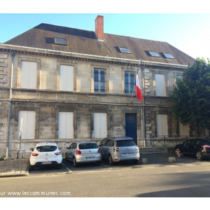 Commune saintes mairie et office de tourisme nl for Prefecture angouleme telephone
