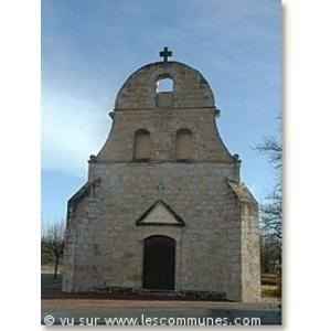 L église et son fronton campanile