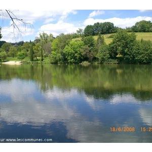 vue de l étang de Thenon