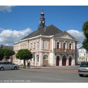 L hôtel de ville de Montcornet