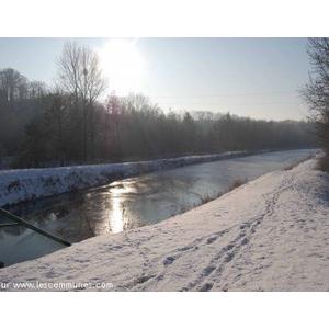 Noyales hiver 2008, le canal gelé.