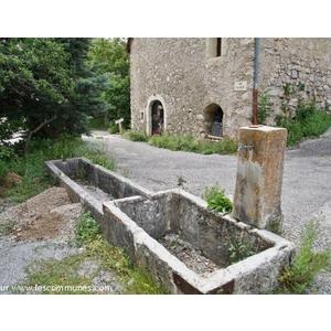 grimone (26410) la Fontaine  - GLANDAGE