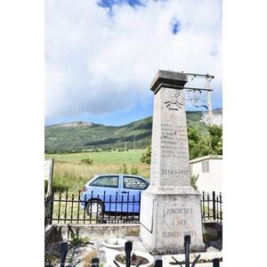 le Monument Aux Morts  - JONCHERES