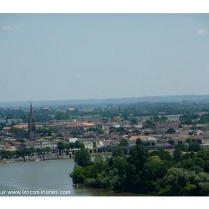 le confluent de la Dordogne et de l Isle et la ville de Libourne vus depuis le château de Fronsac