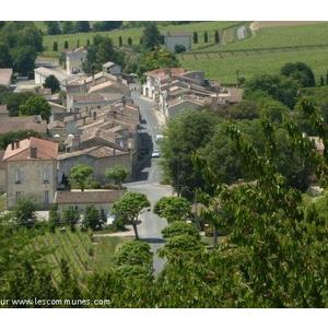 le bourg de Fronsac vu depuis le château de Fronsac