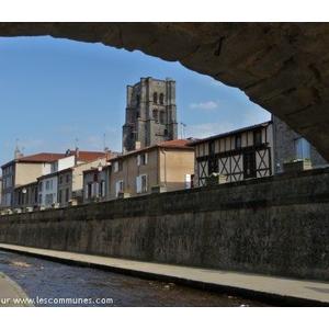 Vue de Montbrison depuis les quais du Vizezy