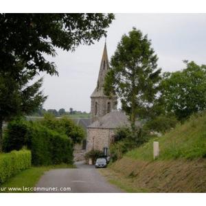 L entrée de la commune du Petit-Celland, avec son église.