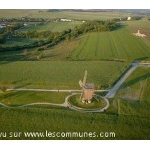 photo aérienne du moulin de valmy