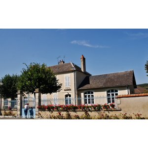 La mairie - CHASNAY