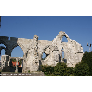les Ruines de église