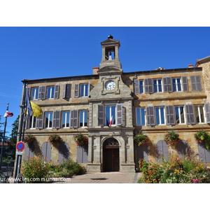 Commune Vic Le Comte Mairie Et Office De Tourisme Fr