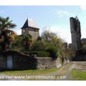 L Abbaye et la tour de Lucq de Béarn