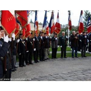 Ce 5 décembre à Mourenx, Plus de 40 drapeaux de toutes les Associations d anciens combattants, A.C.G.P.M et V.G., Rhin et Danube, FN.C.V, Souvenir Français,  Marine Nationale, UNC des Pyrénées Atlantiques, Landes et Pays Basque et Unité Départementale des