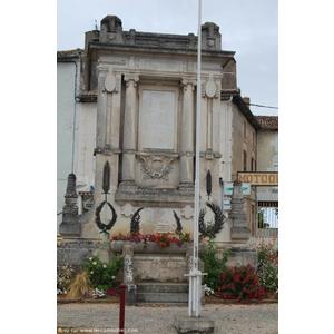 monument aux Morts pour la France