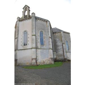 Le temple, architecture du XIX éme , une belle chaire à l intérieur (imh- classé)est tout près du Musée de la Coiffe et se visite sur demande . Quelques expositions annuelles ont lieu a l intérieur.